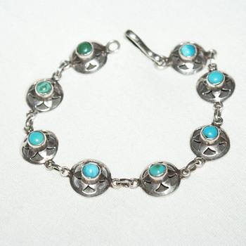 Unmarked Turquoise Bracelet - Fine Jewelry