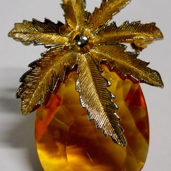 Sarah Coventry Brooch/Pendant - Costume Jewelry