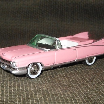 Johnny Lightning MiJo Exclusive Pink Cadilac 1959 El Dorado - Model Cars