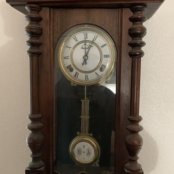 It's a clock that I got at a garage sale  - Clocks