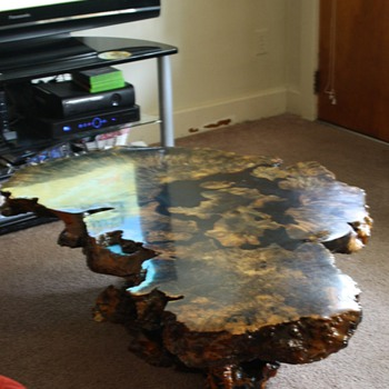 Looking for information on unique table  - Furniture