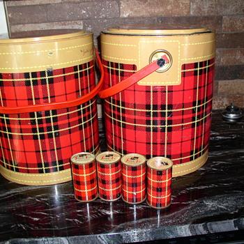 Skotch Kooler II   with  Skotch Ice times 4 cans Sam - Kitchen