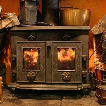 Cast iron wood burning stove - Kitchen