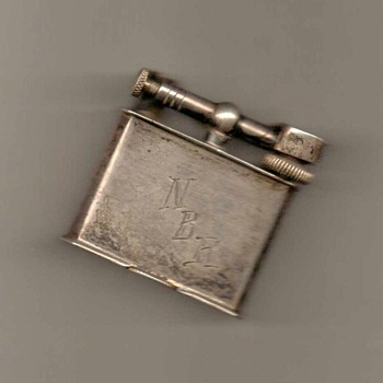 1940's - Flip-top Silver Lighter (Mexico) - Tobacciana