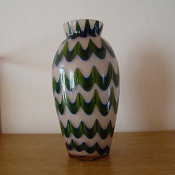 Kralik art deco era wave decor - Art Glass