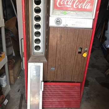 My new coke machine! anyone know the model? - Coca-Cola