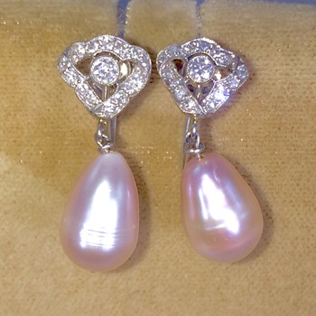 Art Deco OMC Diamond Platinum Ribbon Pink Pearl Drop Screwback Earrings  - Art Deco