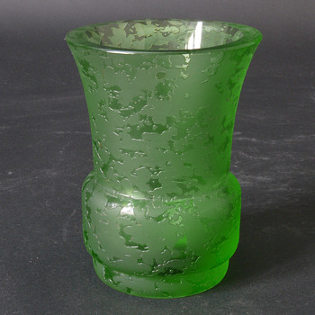green corroso vase - Art Glass