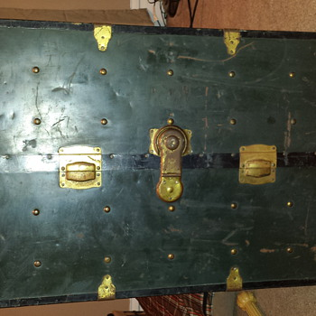 metal trunk - Furniture
