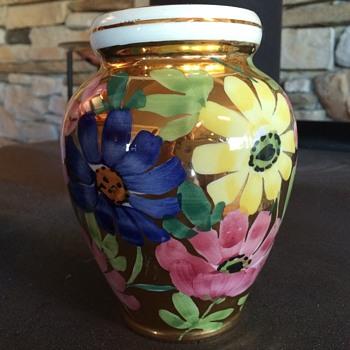 unidentified Italian Vase - Pottery