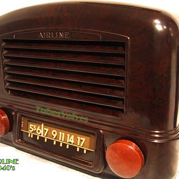 Airline 14BR-521 Bakelite Radio circa 1941 - Radios