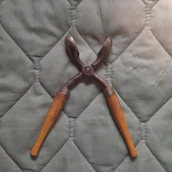 Can you help me identify what this tool is?  - Tools and Hardware