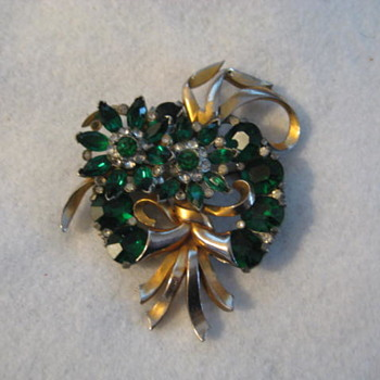 MAZER Bros. Green Floral & Ribbon Bow Brooch circa 1940's - Costume Jewelry