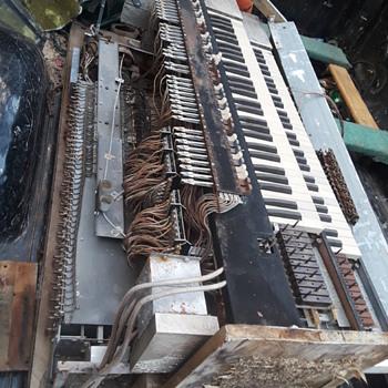 a HAMMOND electric organ comes apart... - Electronics
