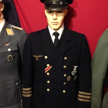 WWII German Kriegsmarine Officers Uniform - Military and Wartime