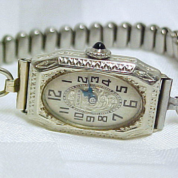 silver gruen windup - Wristwatches