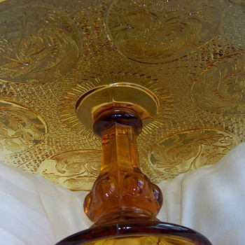 Gram's Cake Stand Amber EAPG - Glassware