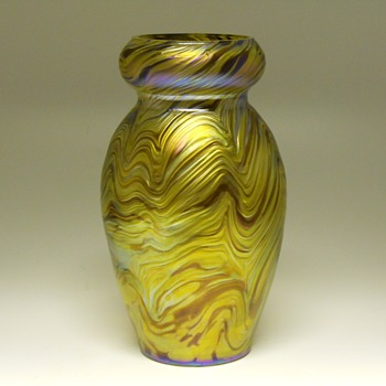 Rindskopf Corrugated Iridescent Vase, Circa 1900 - Art Glass