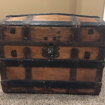 Can anyone tell me about this trunk? - Furniture