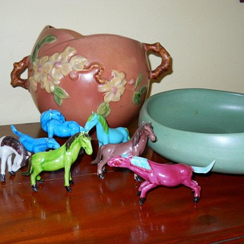 I also love these little 'chinese' looking horses and vintage pottery as well as the RW Steubenville dishware - Animals