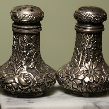Salt and Pepper Shaker - very ornate - Harris and Shafer Sterling Silver - Silver