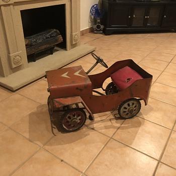 Brights pedal car  - Model Cars