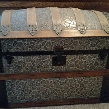 Travel chest date?  - Furniture