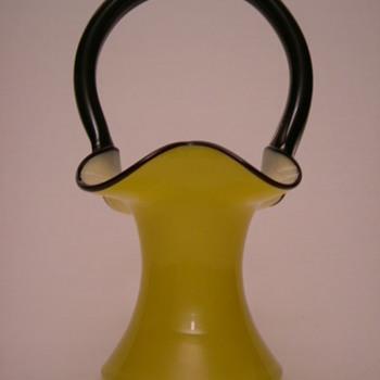 Welz Tango Glass Basket - Art Glass