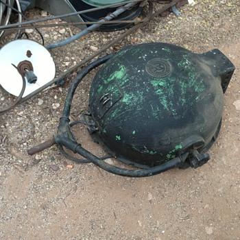 Mole Richardson Type 205 Pan Light w/ Tripod - Lamps