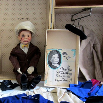 Charlie McCarthy Effanbee 1937 with Wardrobe and Trunk - Toys