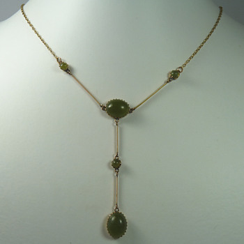 A Rare New Zealand Colonial Tangiwai (Bowenite) Necklace - Fine Jewelry
