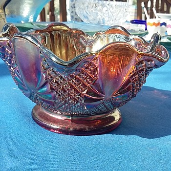 Amethyst Carnival Pineapple & Bow Design Bowl - Glassware