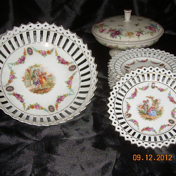 I really like these things..but have no idea what they are. I know they are 60 to 100 years old.. - China and Dinnerware