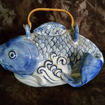blue and white teapot fish - Kitchen