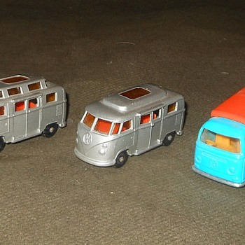 Matchbox Monday Wolkswagen Van Caravan - Model Cars