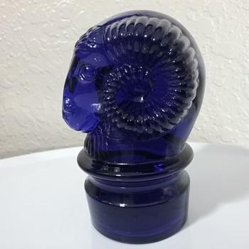 Heisey by Mosser Glass ram paperweight  - Animals
