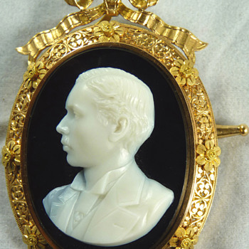 Cameo Portrait of the Young Alexander III of Russia, by Paul Lebas, circa 1867 - Fine Jewelry