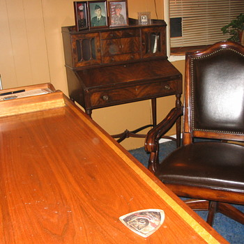 mother's secratary writing desk