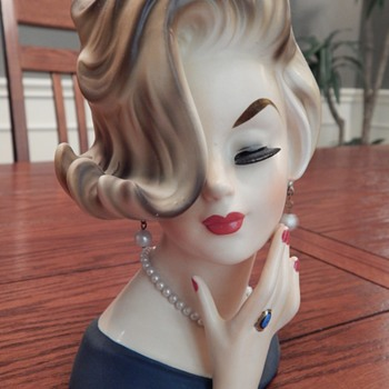 A flip to die for, lady head vase - Mid-Century Modern