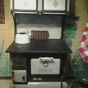 1880s Wedgewood wood burning stove