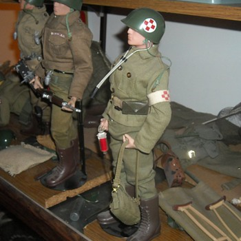 GI Joe Marine Medic Set 1965 - Toys