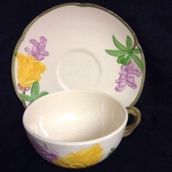 Franciscan Yellow Poppy Pottery...Rare 1950's Pattern. - China and Dinnerware