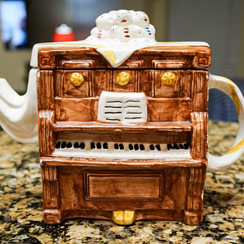 3 Mice on a Piano Tea Pot - Kitchen