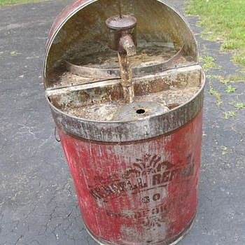 Early 1920's/1930's Flip Top Kendall Refinery Bradford PA Unusual Stenciled Flip Top Oil drum w/Pump! Need Info! - Petroliana