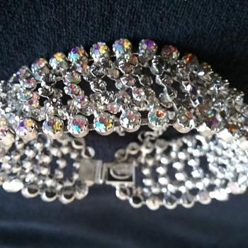 Kramer bracelet - Costume Jewelry