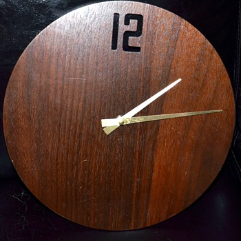 Minimalist Clock - Mid-century?  - Clocks