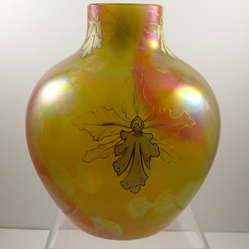 Harrach Vase, Form 1714/2, Decor F.806, ca. 1899 - Art Glass
