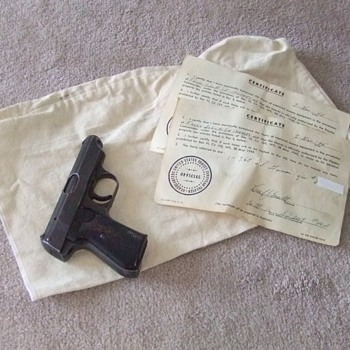 Sauer 38H Nazi Pistol with capture paperwork - Military and Wartime