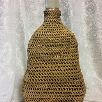 Vintage Bottle Basket - Bottles