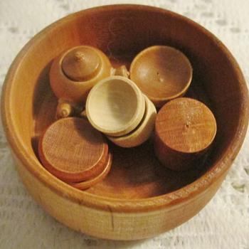 Miniature wooden tea set - Asian